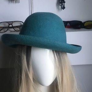 Vintage 1980s felt hat